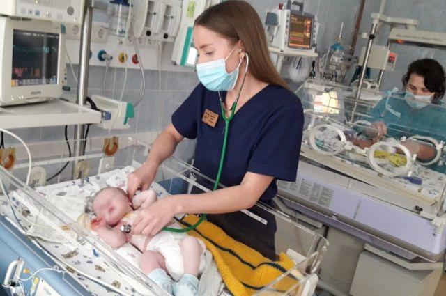 За год в Тюменской области появились на свет почти 19 тысяч малышей
