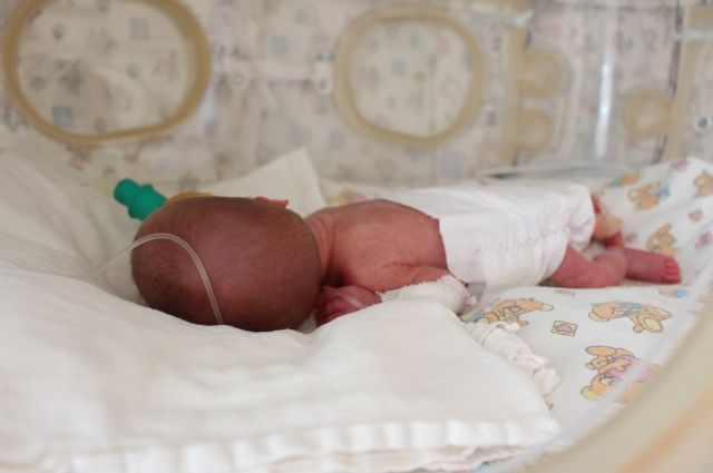 Лечить малыша начали, когда он ещё не родился.
