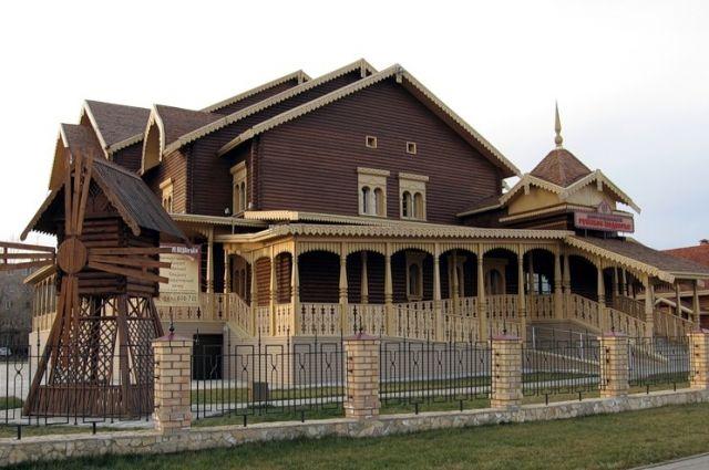 В Оренбурге цену Русского подворья «скинули» с 50 до 17 млн рублей из-за отсутствия интереса к объекту.