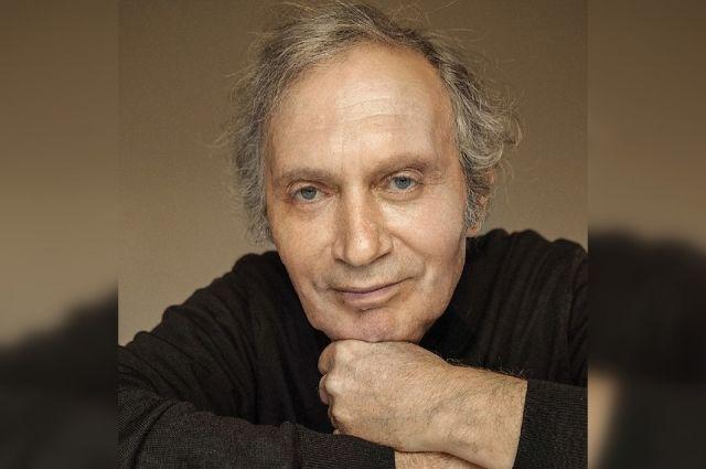Заслуженный артист России, актёр театра «Красный факел» Григорий Шустер скончался в Новосибирске на 81-м году жизни.