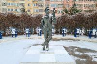 Памятник Остапу Бендеру в Элисте.