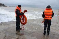 На Крещение на водных объектах будут дежурить более двух тысяч спасателей