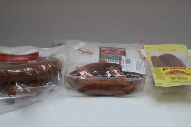 В трёх образцах полукопчёной колбасы «Краковская» завышено содержание влаги.
