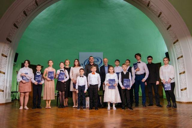 Стипендии и путевки в Международную летнюю творческую школу в Суздале получили четверо юных жителя города.