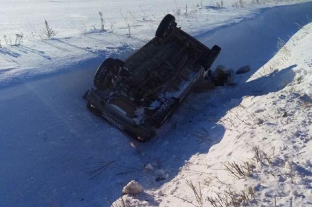В Вагайском районе обнаружили «Ниву» с погибшим водителем