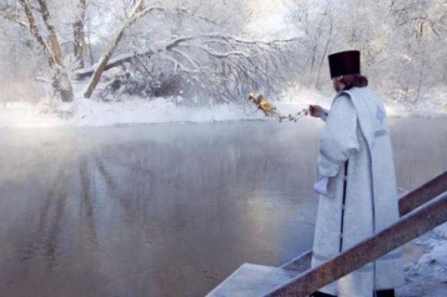 Крещенские купания: в Киеве две женщины во время ныряния потеряли сознание