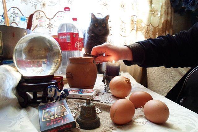 30 тыс. руб. отдал 31-летний ижевчанин целительнице, которая якобы по фото снимала с него порчу.