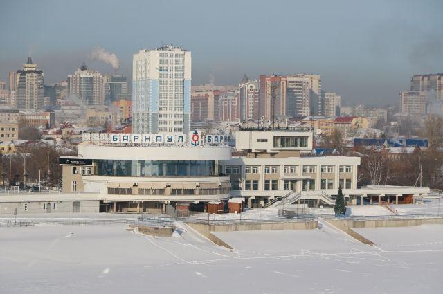Речной вокзал в Барнауле.
