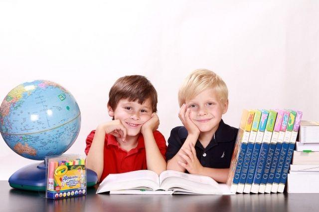 Примерно 1050 юных салехардцев пойдут в первый класс в новом учебном году
