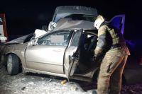 В районе поселка Заречье Оренбуржья столкнулись две иномарки.