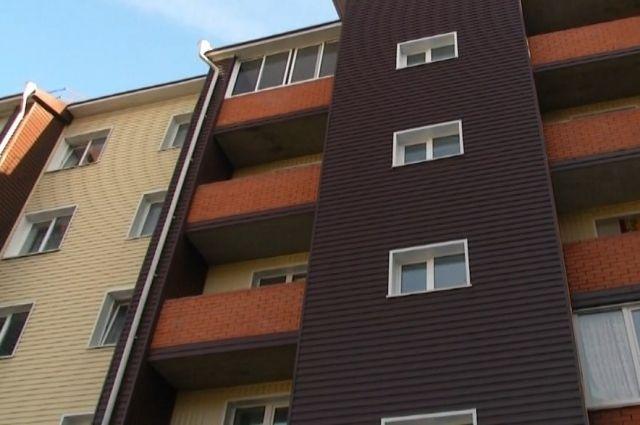 В этом году в городе планируется переселить из аварийных и ветхих домов около 2,5 тысяч семей.