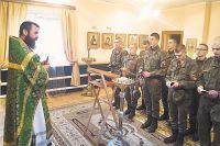 Именно военная служба, уверен отец Владимир, позволяет понять глубинный смысл любви и дружбы.