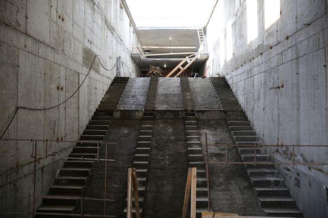 Подрядчика строительства третьего этапа новой станции метро «Спортивная» в Новосибирске выбрали без торгов. В конкурсе участвовала только одна компания — «Градпроект».