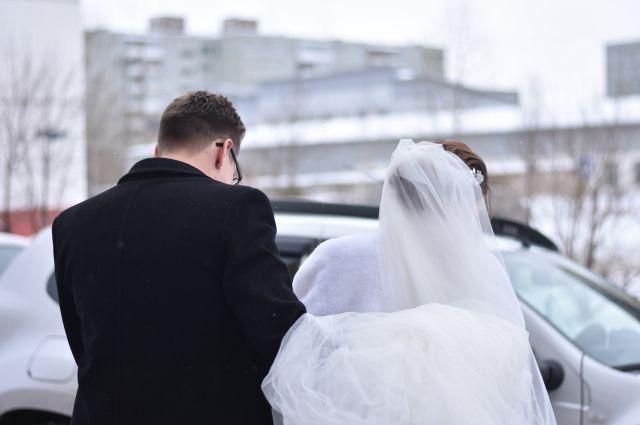 80 пар сыграют свадьбу в этот день.