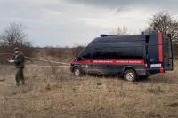 На месте спецоперации следователи взяли образцы биоматериала убитых террористов для генетической экспертизы.