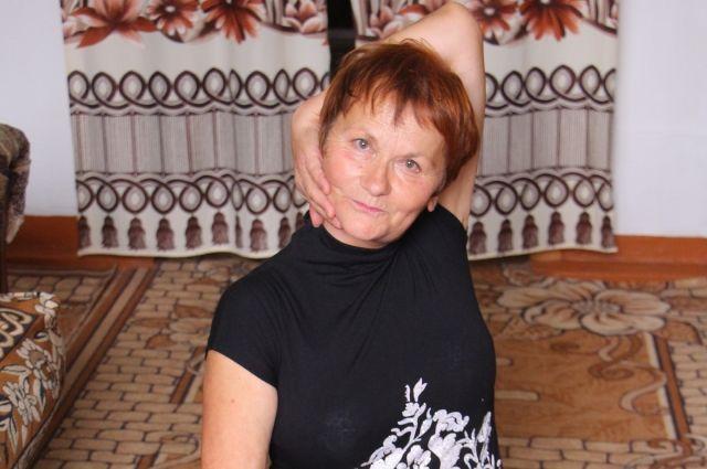 Мария Мериченко разработала авторский тренировочный комплекс: женщины под ее руководством развивают суставы, растягивают мышцы, учатся правильно дышать.