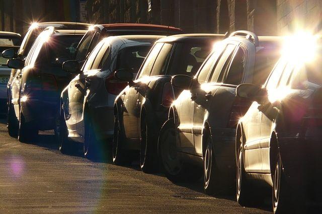 В Салехарде народные контролеры проверили парковки города