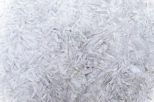 Тюменцам рассказали о правилах работы на свежем воздухе в морозы