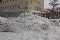 Купленные мэрией Оренбурга за 4 млн лаповые погрузчики снега простаивают из-за своей неэффективности.