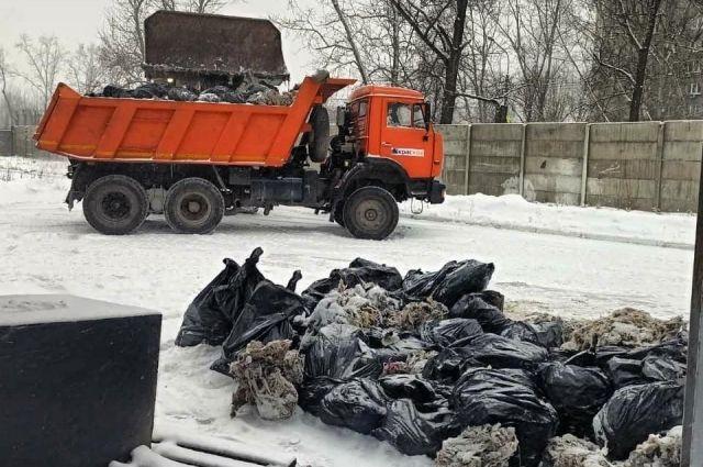 Только с одной КНС-4в прошедшую пятницу вывезли на полигон для захоронения полтора КАМАЗа запрещенного мусора, слитого в унитаз.