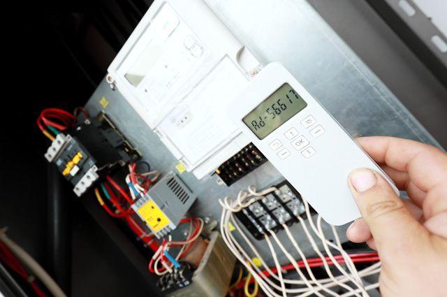 Правда, что электросчётчики нужно срочно менять на новые?