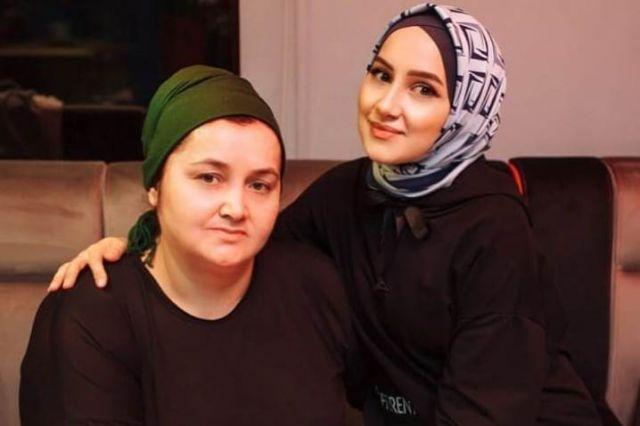 Аминат Гимбатова с дочерью.
