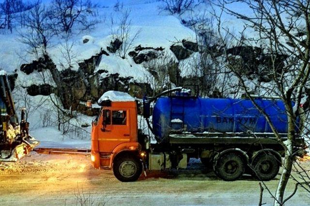 25 января вечером отходы вновь привезли в Снежногорск, но сливать не стали.