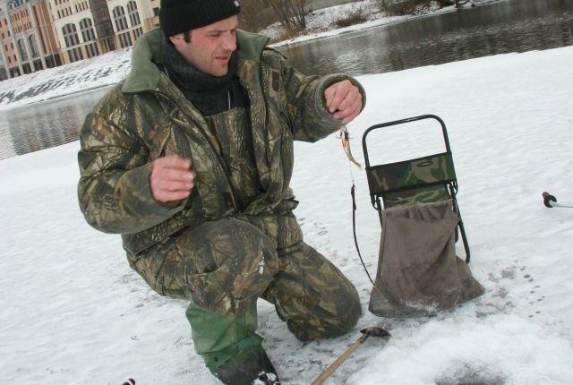Даже зимой есть риск несчастных случаев на воде. В первую очередь это касается рыбаков.