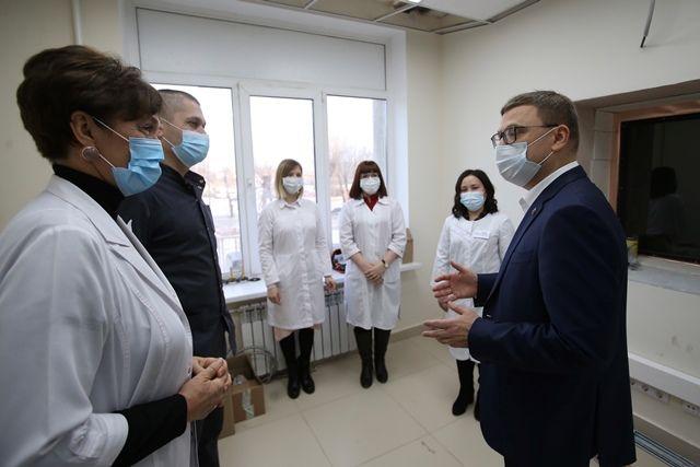 Алексей Текслер неоднократно говорил, что решил активизировать работу по модернизации здравоохранения после общения с медиками в разных городах области.