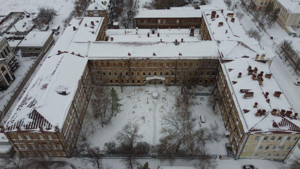 Оренбургское летное училище, Советская, 1.