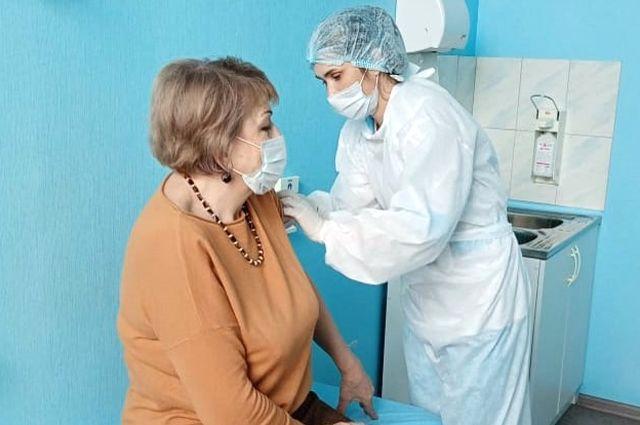 Некоторые волгоградцы получают уже вторую дозу вакцины.