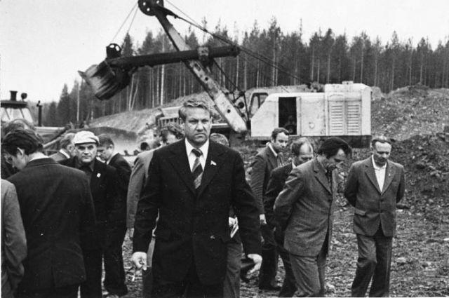 Прежде чем сделать партийную карьеру, Борис Ельцин проявил себя в строительстве.