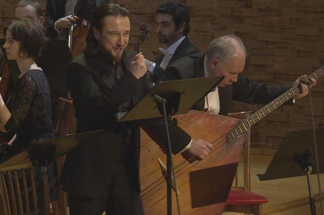 На сцене Мариинского театра Павел Шмулевич дебютировал еще в 2001 году
