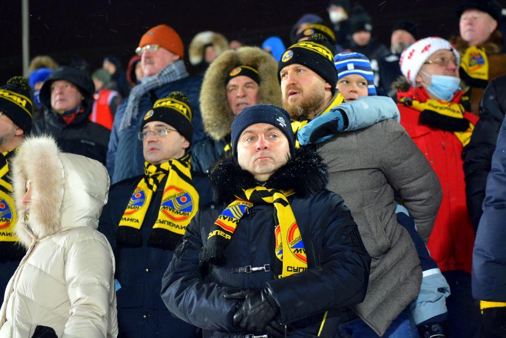 На матче побывал губернатор Мурманской области Андрей Чибис, который поддержал мурманчан.