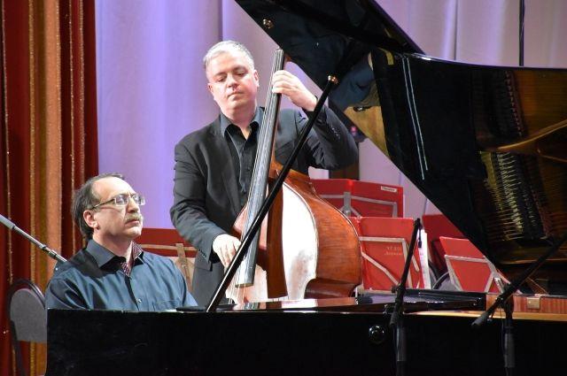 Приезд Даниила Крамера - это праздник джазовой музыки, море позитива и энергии.