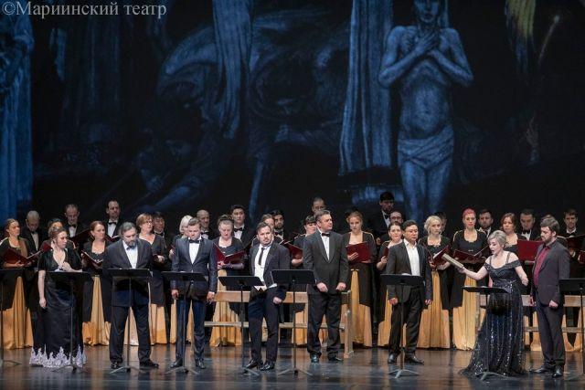 Зрители приняли концертный показ оперы «Идиот» тепло. Ждем полную версию.