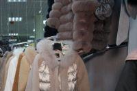 В Тюмени таможенники изъяли из магазинов поддельные вещи мировых брендов