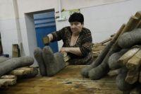 Голышмановские валенки ручной работы знают в городах и в районах юга и севера Тюменской области, в Москве и даже в Китае.