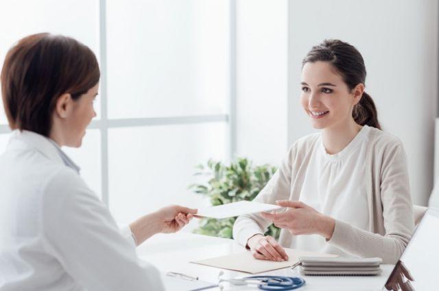 Кабинет уролога и проктолога больницы Ноябрьска оснастили новой медтехникой