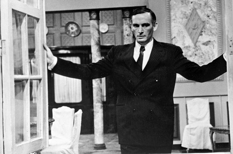 Василий Лановой в роли генерала Вольфа в телевизионном художественном фильме Татьяны Лиозновой «Семнадцать мгновений весны», 1974 год.