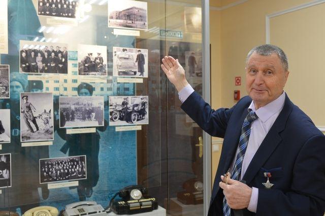 С 1995 года Владимир Котов руководил собранным по крупицам музеем истории мурманской милиции.