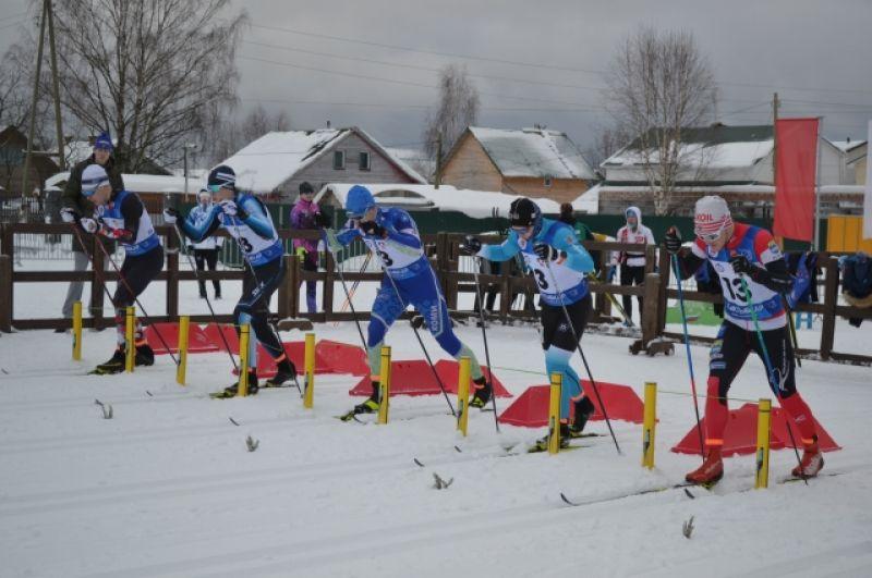 В Сыктывкаре на Республиканском лыжном комплексе имени Раисы Сметаниной проходит Чемпионат Северо-Западного округа по лыжным гонкам.