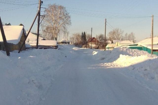 На помощь жителям частного сектора в Ноябрьске приходят коммунальщики