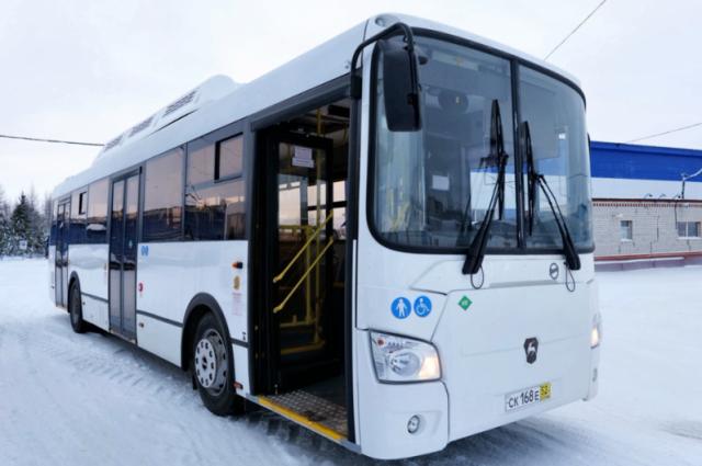 В Тазовском районе отремонтировали «холодный» автобус