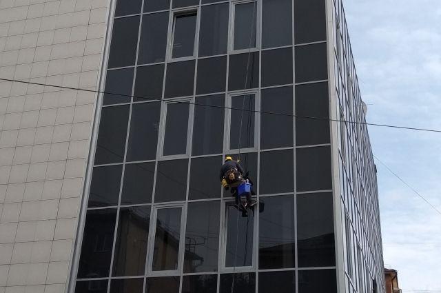 Высота не пугала подозреваемого, ограбленные квартиры находились на совершенно разных этажах