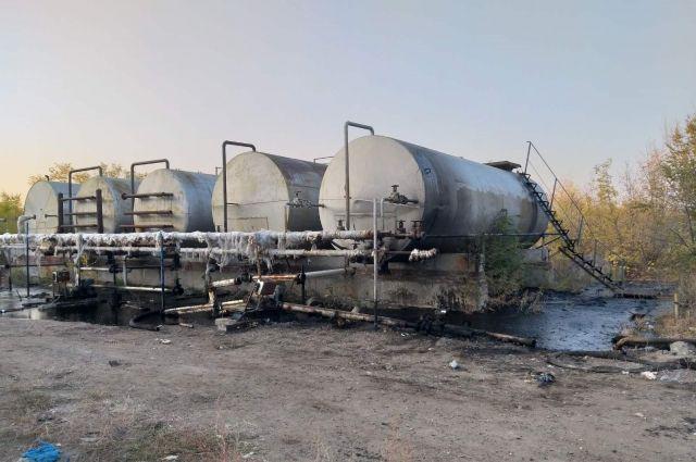 Как на пороховой бочке: в Бузулуке резервуары с нефтью стоят бок о бок с жилыми домами.