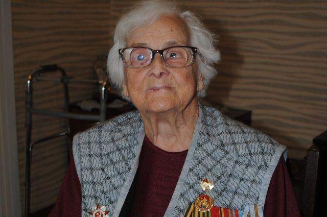 В Оренбурге ветерану войны Анне Горшковой исполнился 101 год.