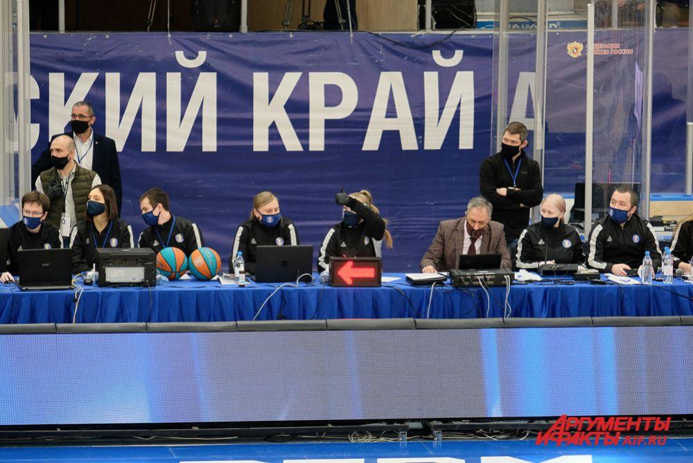 Баскетбольный матч «Парма» - «Химки» в Перми.