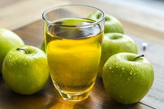 Яблочный сок: полезные свойства всеми любимого напитка