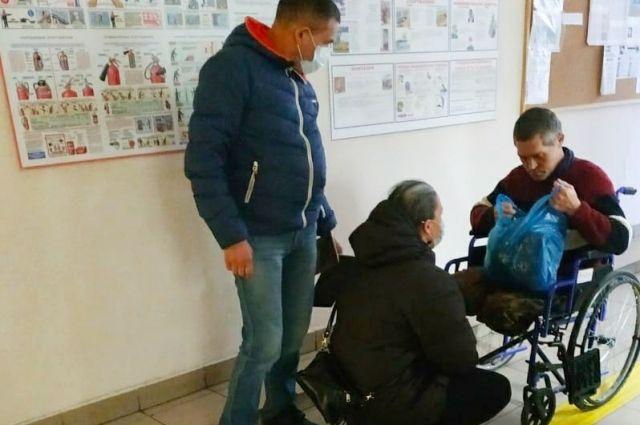 Волонтеры спасли от рабства инвалида Диму.